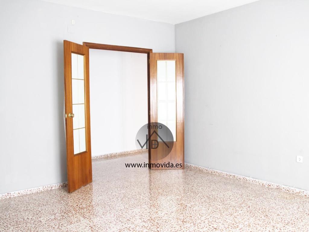 se vende piso en genoves