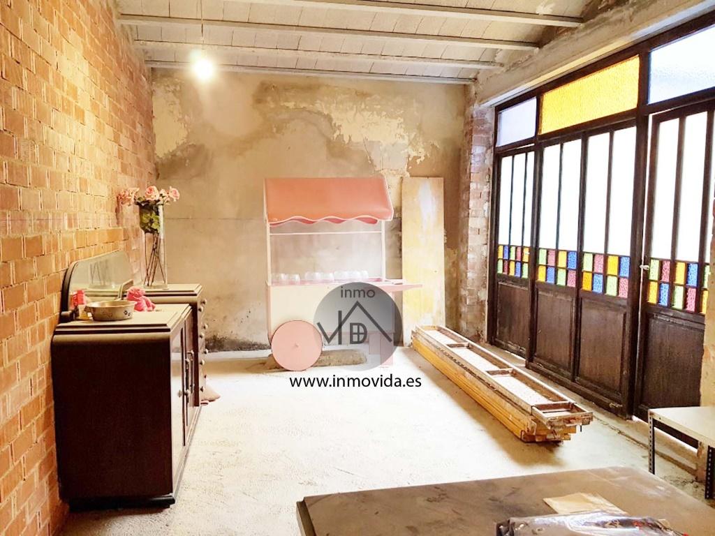 Se vende casa para reformar
