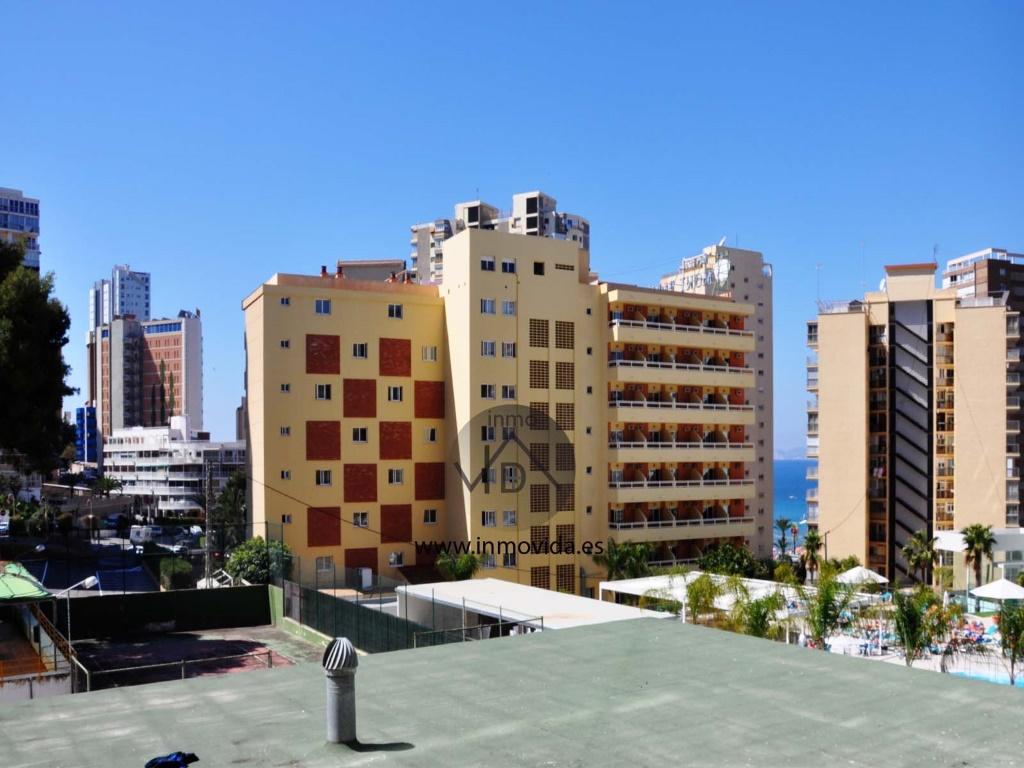 comprar en benidorm piso apartamento con vistas y piscina