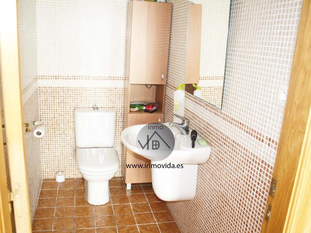 baño comprar casa en cerdad buen estado inmovida inmobiliaria