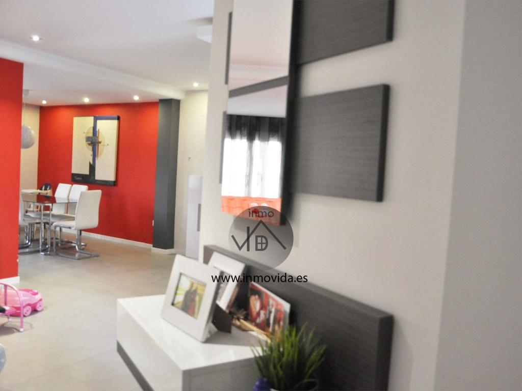 Se vende casa con dos negocios en funcionamiento