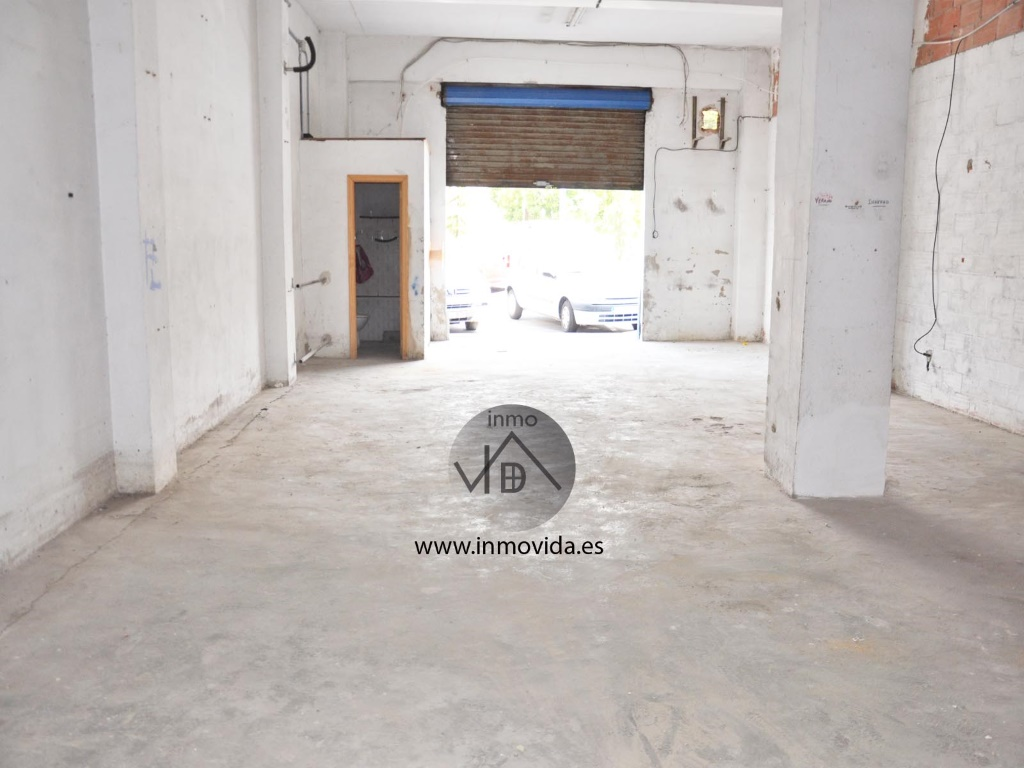 se vende local comercial centrico xativa