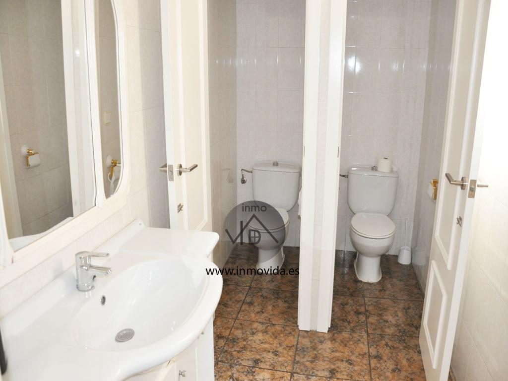 piso centrico en xativa baños