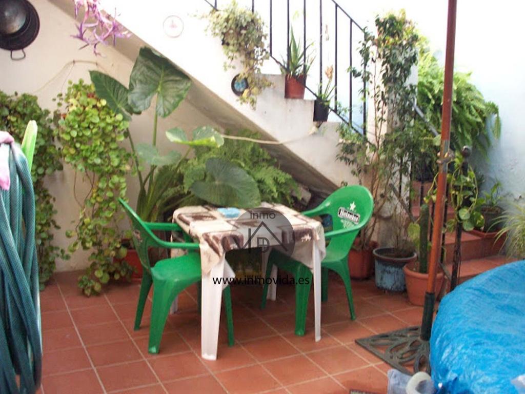 Venta de casa por la zona del Raval de Xátiva