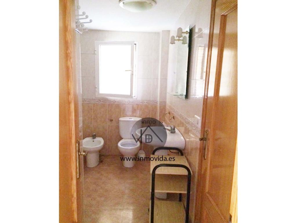 baño piso en alquiler alcudia de crespins amueblado inmovida
