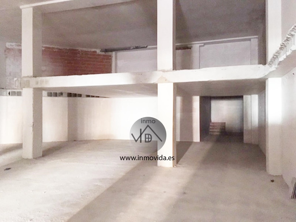 se vende local comercial en xativa