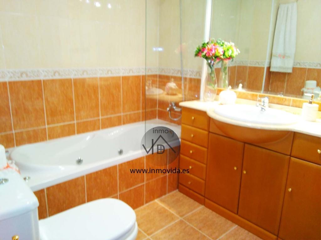 baño piso en venta xativa, centrico inmovdia inmobiliaria valencia