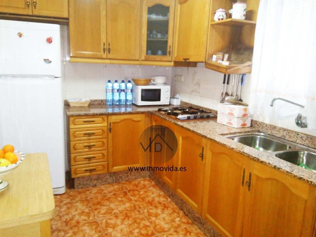 cocina casa en venta con panaderia zona plaza la bassa inmovida