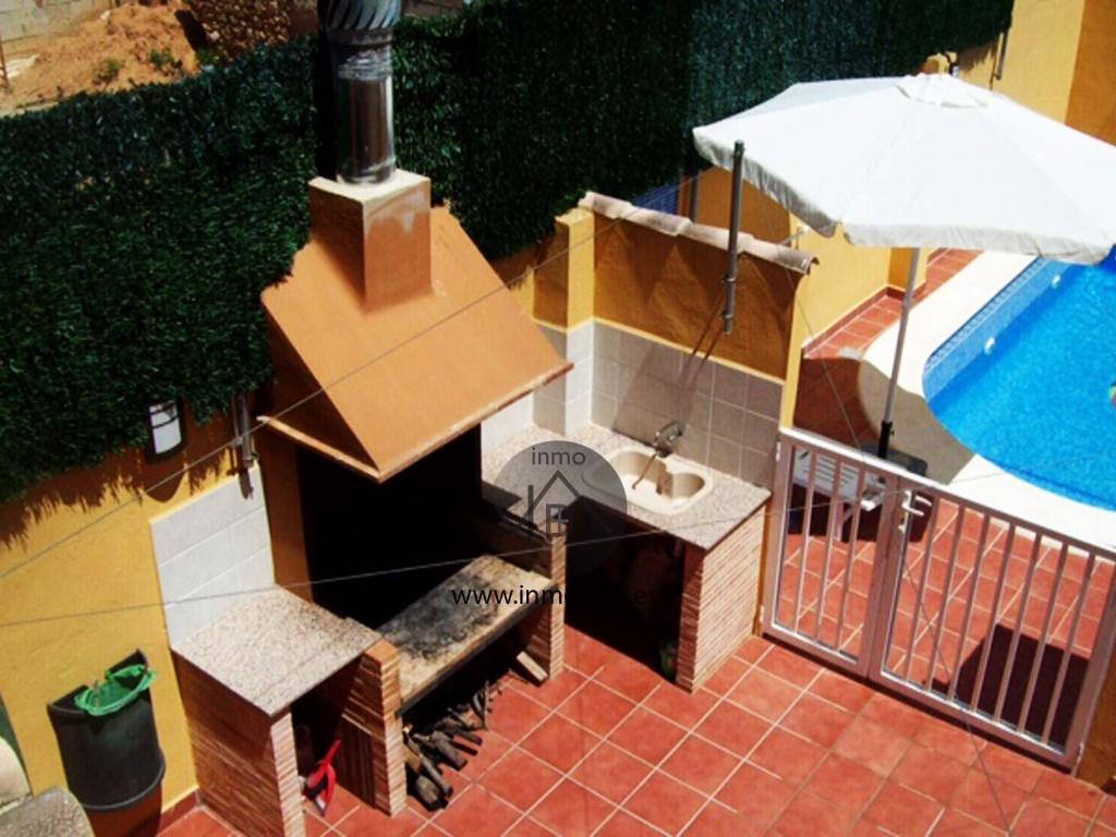 pisicina paellero barbacoa casa en venta llocnou