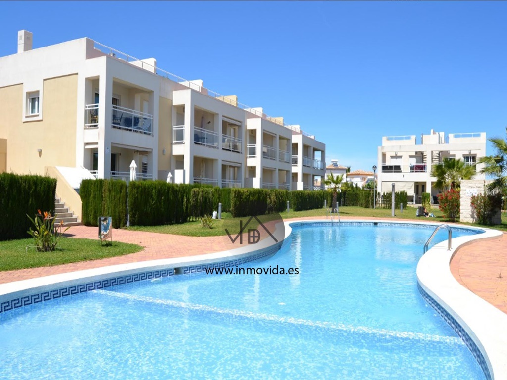 apartamento playa vergel con piscina