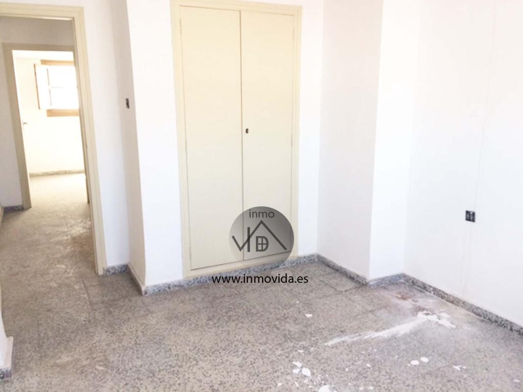 inmovida vende piso centro de xativa para reformar