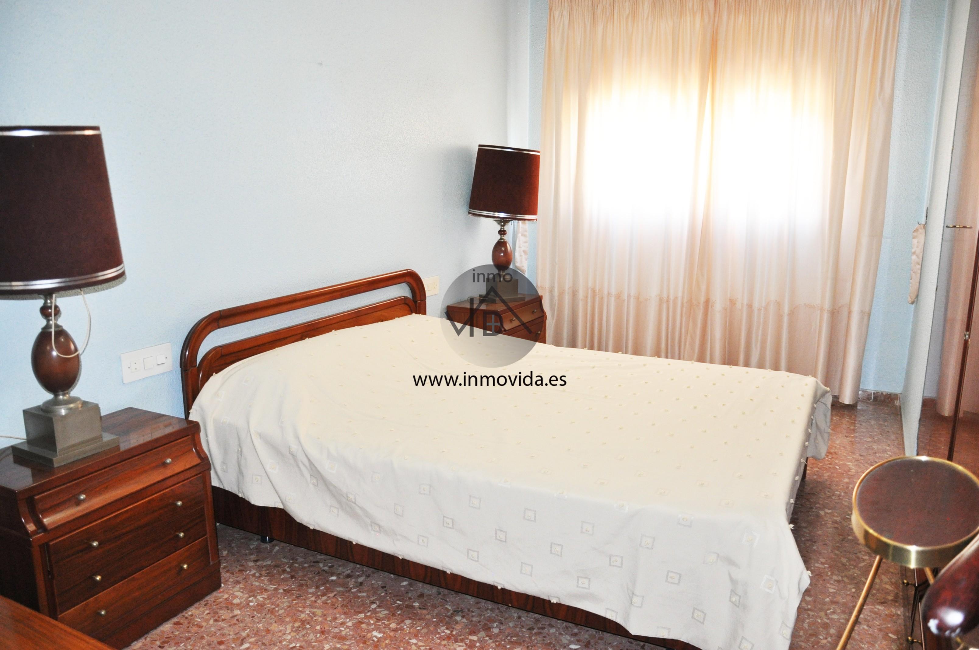 Inmovida Inmobiliaria dormitorio piso en Manuel
