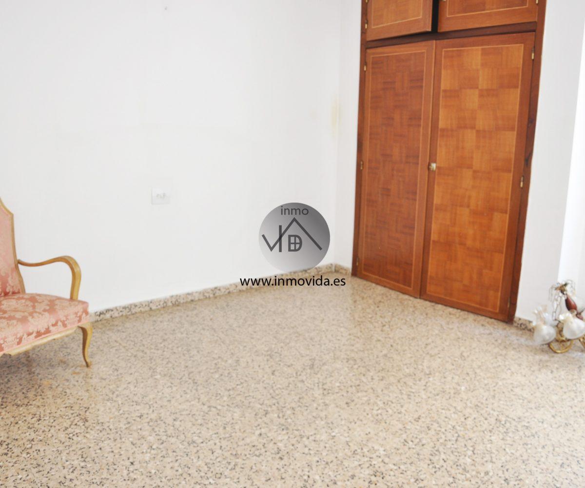Dormitorio piso en venta en zona céntrica de Xátiva