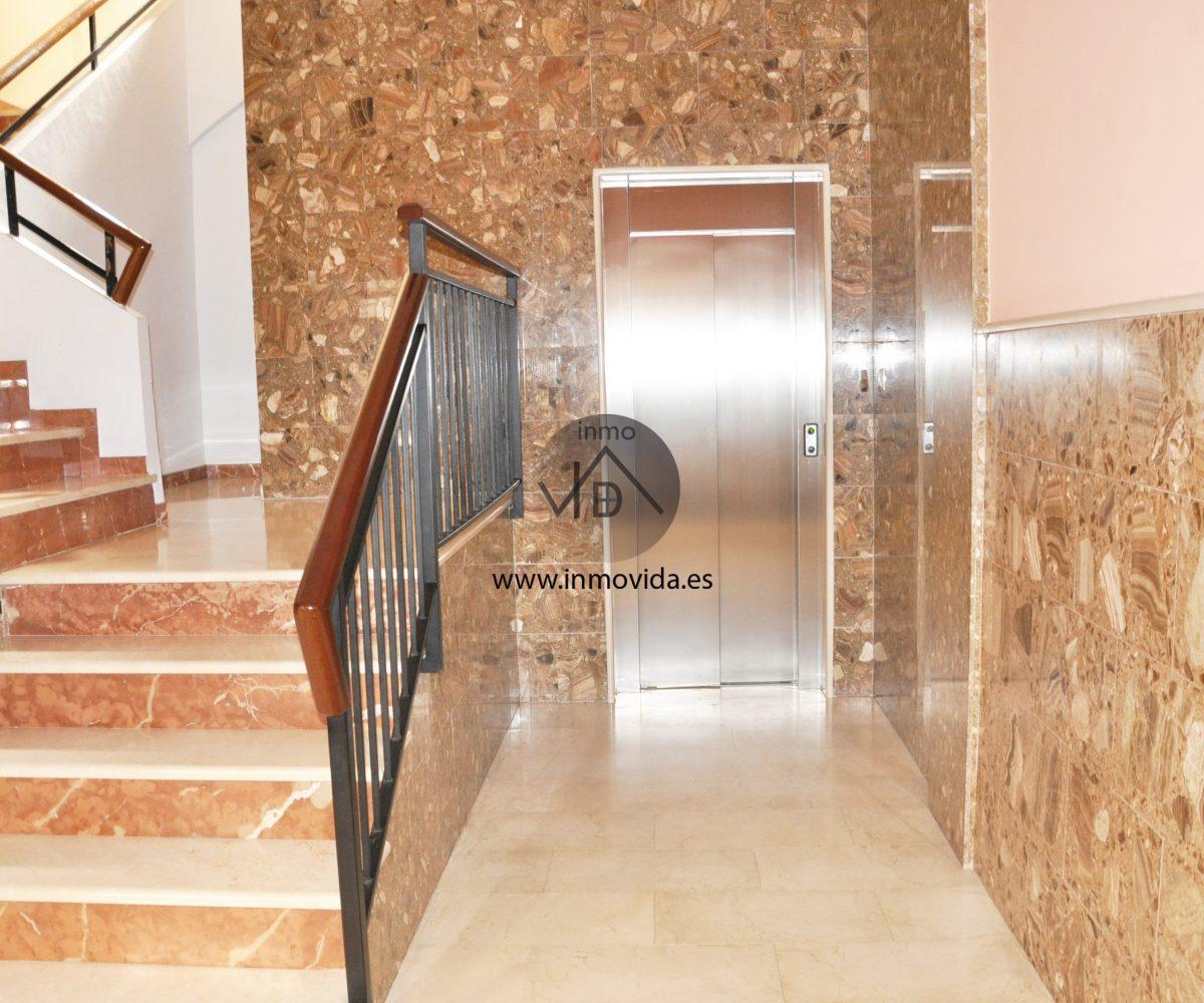 Zaguán piso céntrico en venta en Xátiva