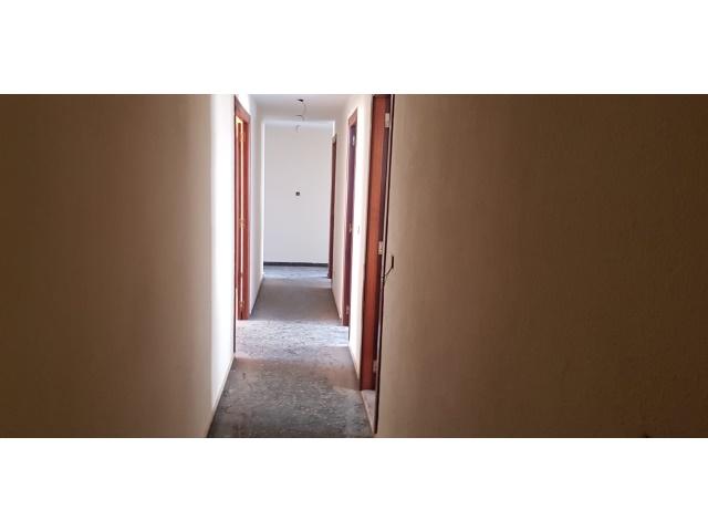 Pasillo piso de 4 habitaciones. Inmovida