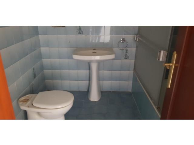 Cuarto de baño con bañera. Inmobiliaria inmovida