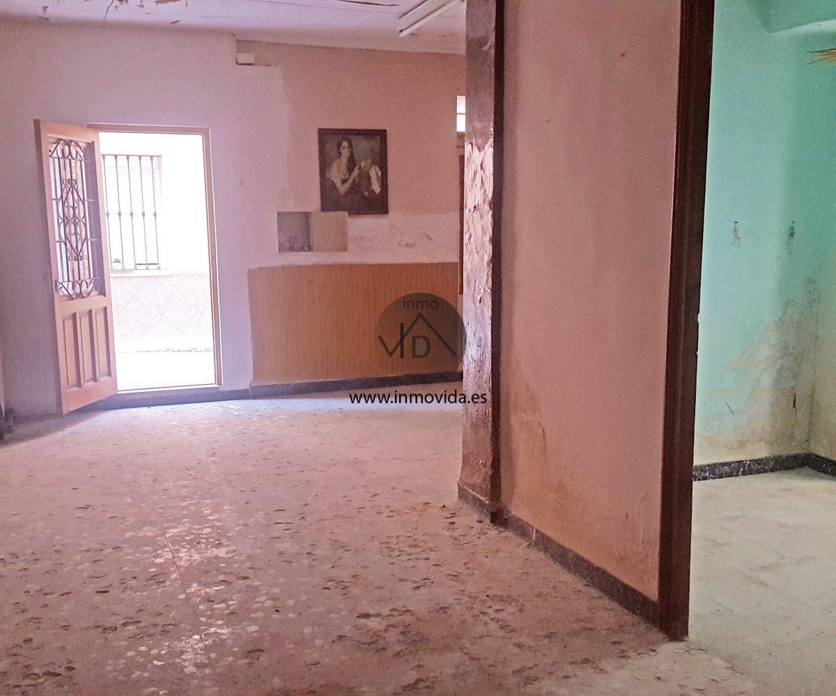Entrada casa en venta en Antella