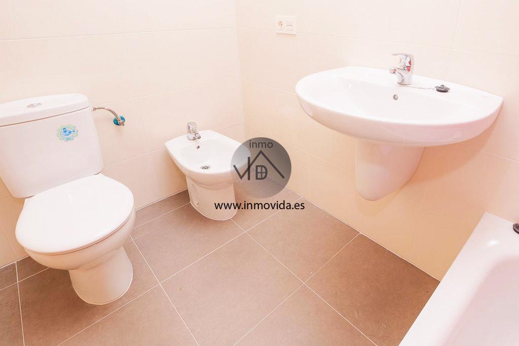 Baño pisos nuevos en venta