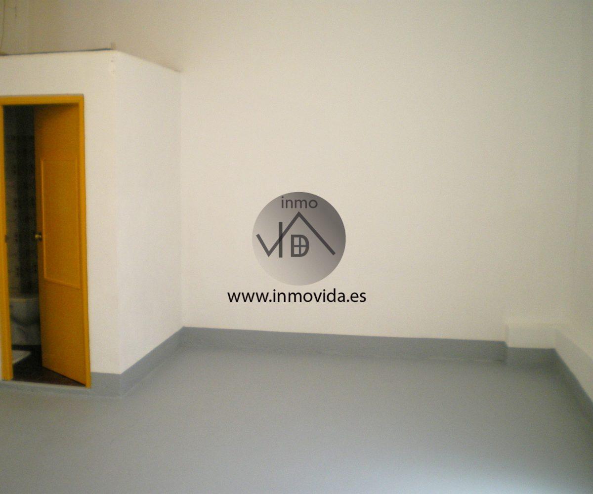 Inmobiliaria Inmovida alquila bajo comercial en Xátiva