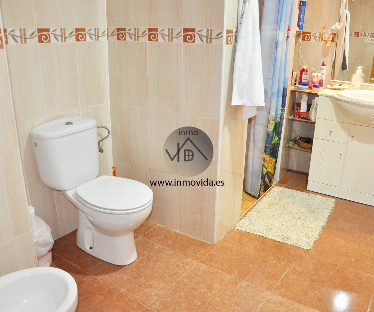 Baño casa en venta en La Granja de la Costera
