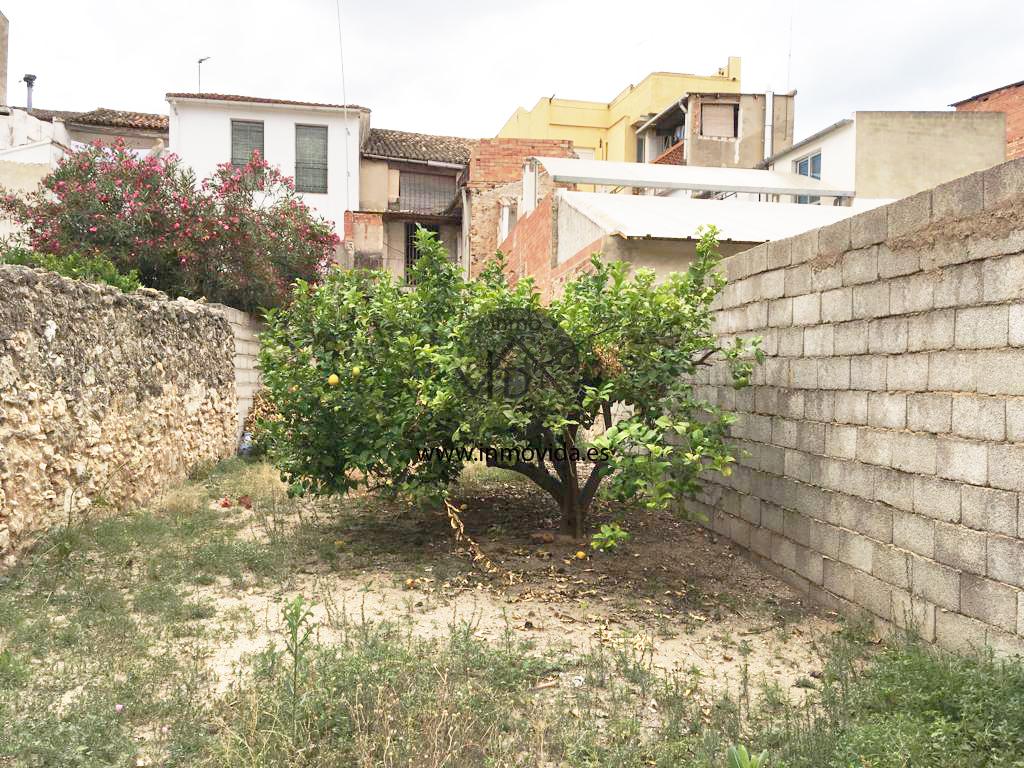 Inmovida Inmobiliaria vende casa con terraza en L'Alcúdia de Crespins