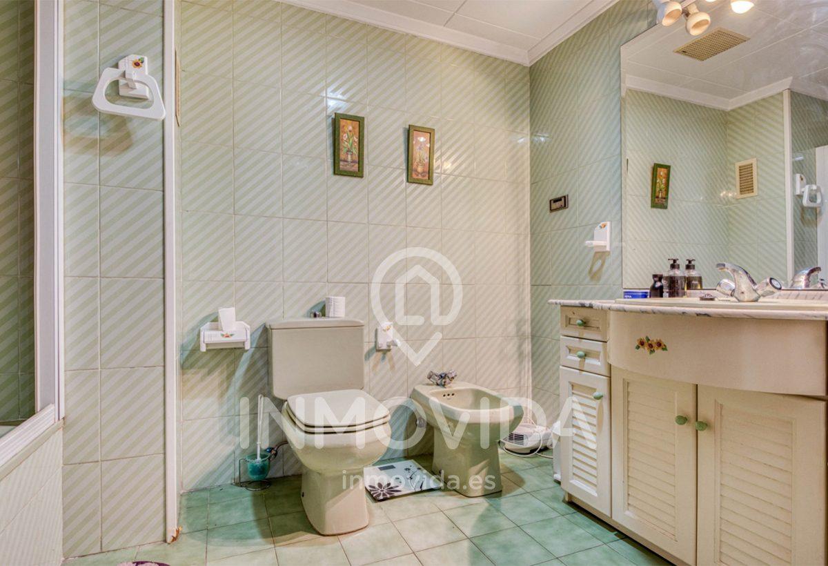 Baño piso en venta zona reina económico