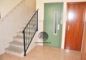 Piso barato en Xativa para reformar con ascensor en zona muy tranquila con 3 habitaicones y 1 baño. Inmovida Inmobiliaria.