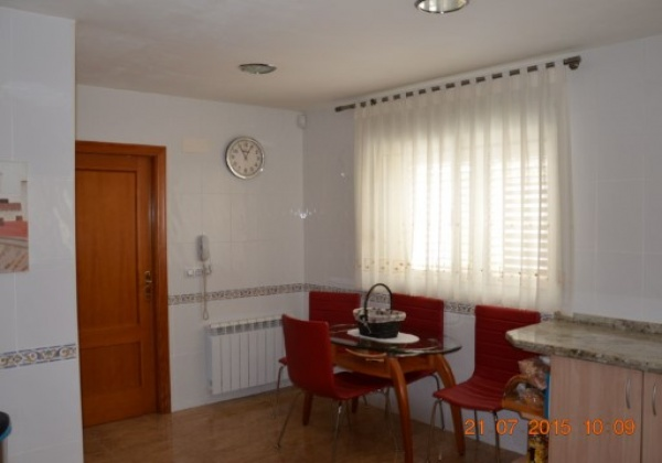 3 Habitaciones, Casa, Alquiler y venta, 2 Baños, España, Valencia, Vallés, Inmovida Inmobiliaria, aire acondicionado, calefacción