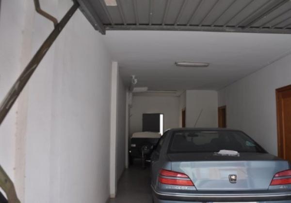 Se vende casa en manuel cerca del colegio con parking propio terraza con barbacoa inmovida inmobiliaria