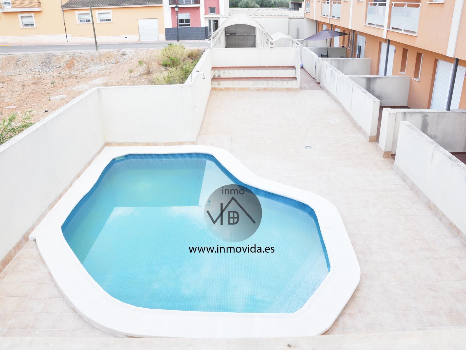 Casa con piscina inmobiliaria en xativa y valencia for Apartamentos con piscina en valencia